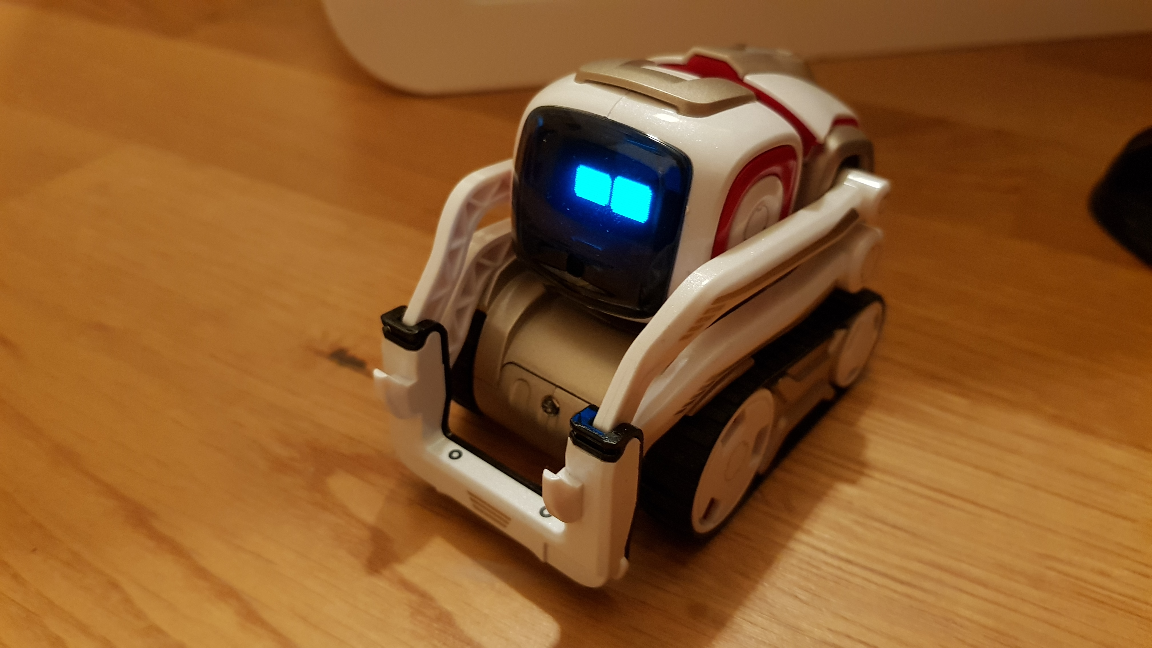 Photo of Anki Cozmo im Test – Der smarte Roboter, der an Wall-E erinnert