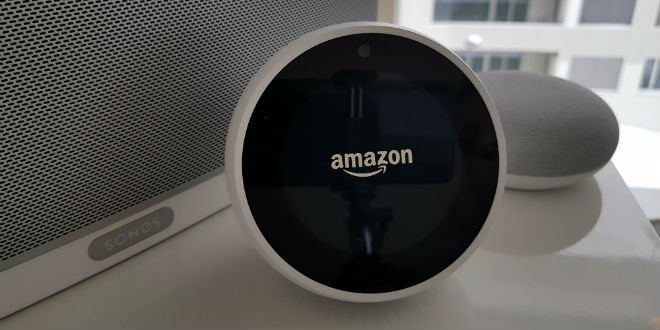 amazon echo spot im test eine runde sache. Black Bedroom Furniture Sets. Home Design Ideas